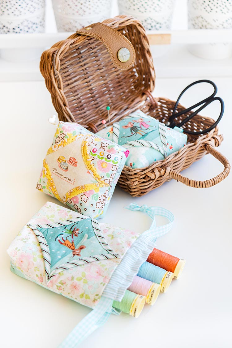 Easy Cathedral Windows Sewing Series - Drawstring Pouch