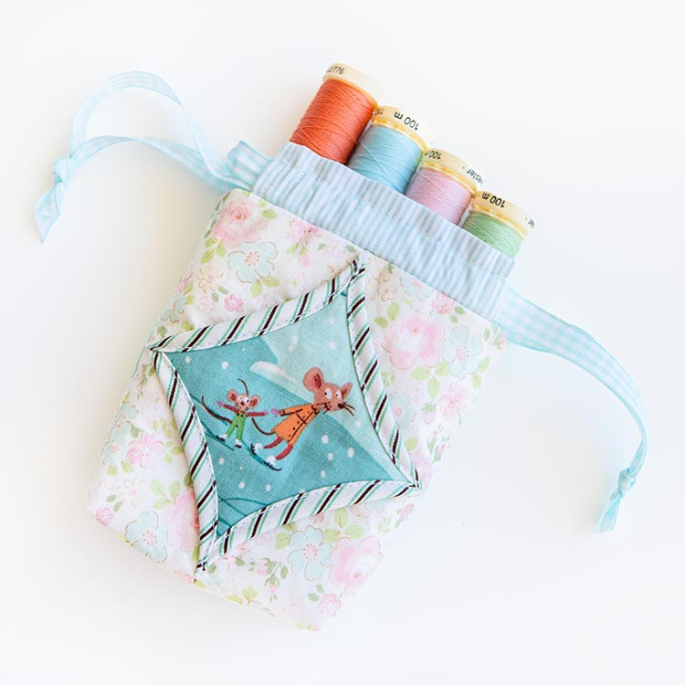 Easy Cathedral Windows Sewing Series - Drawstring Mini Pouch