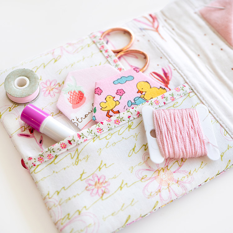 Sewing on the Go - Traveller's Sewing book