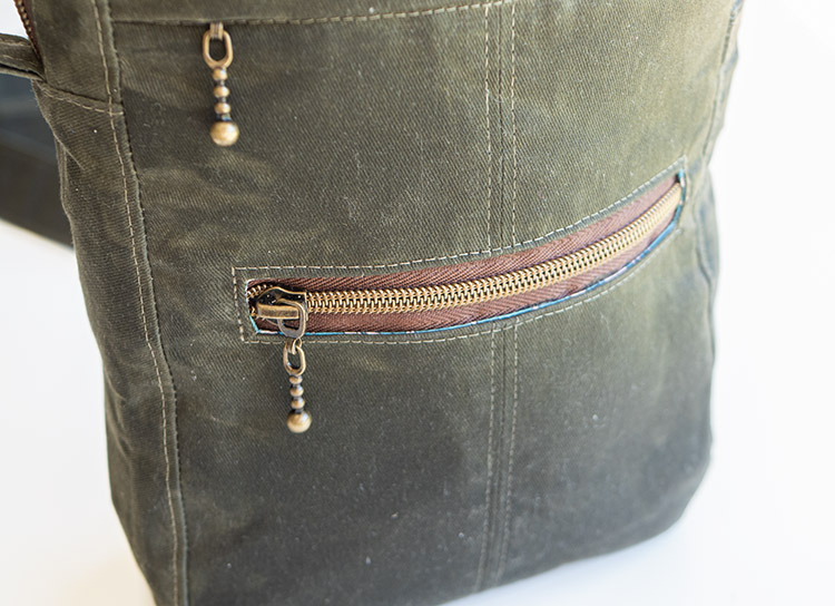 www.arabesque-scissors.com/articles/new-year-new-bag-sandhill-sling-review -zipper mods