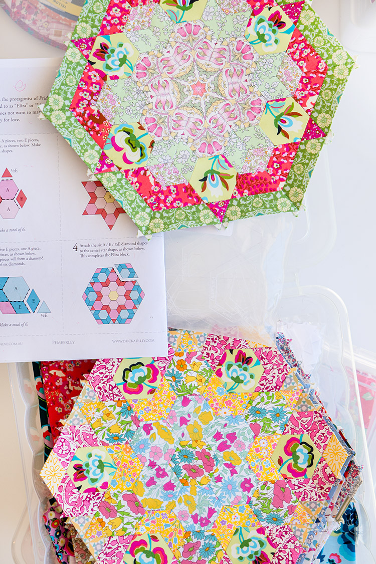 """Sew Great to be Organized - Pemberley Quilt Blocks and Pattern in 12"""" storage tub"""