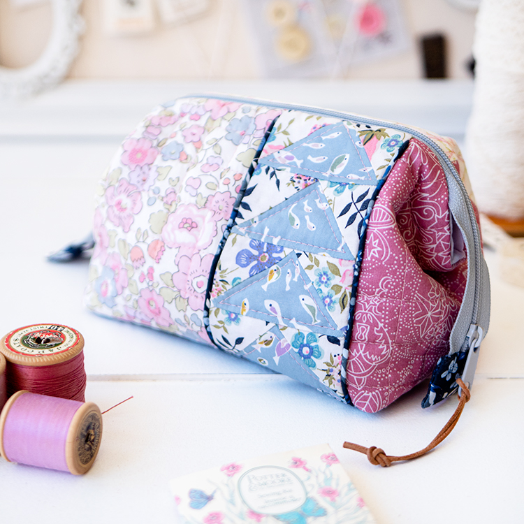 Zakka Workshop Kit - Flying Geese Pouch Liberty Betsy