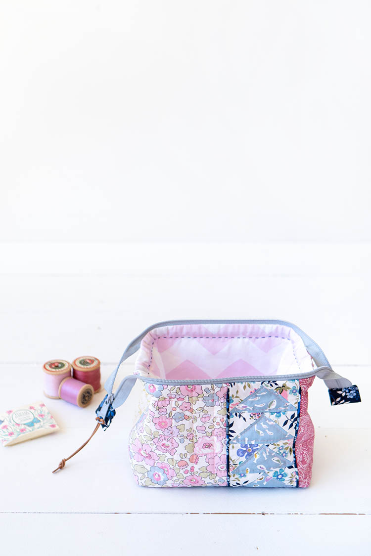 Zakka Workshop Kit - Flying Geese Pouch the perfect sewing travel accessory