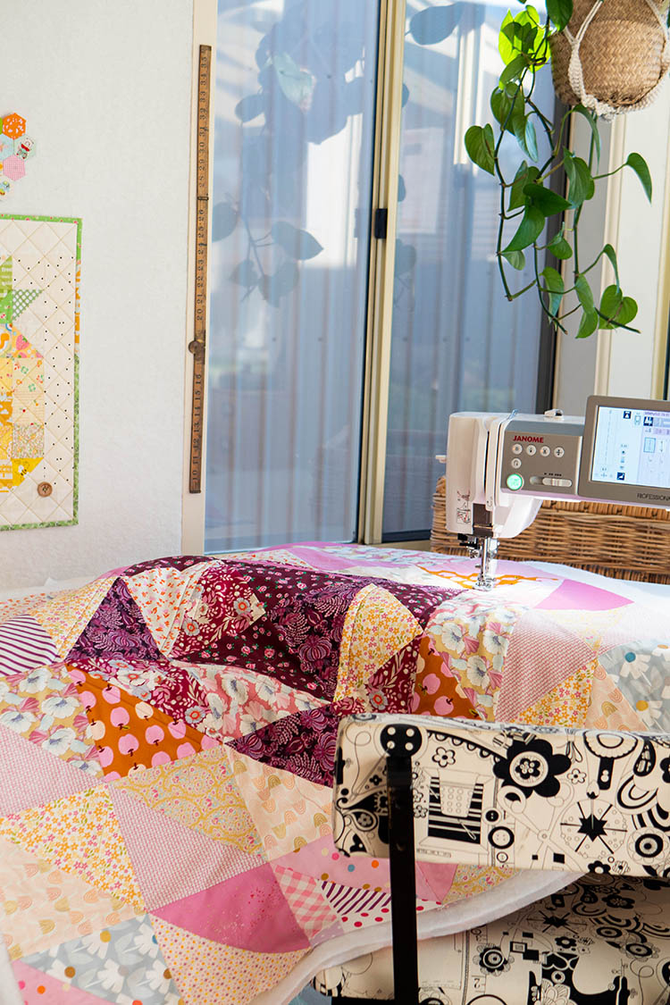 How to Make a Circular Quilted Playmat - quilting on the Janome M7