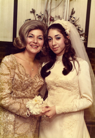 Paulette Tawil a'h and Shelly Cohen a'h on her wedding day Feb, 1971