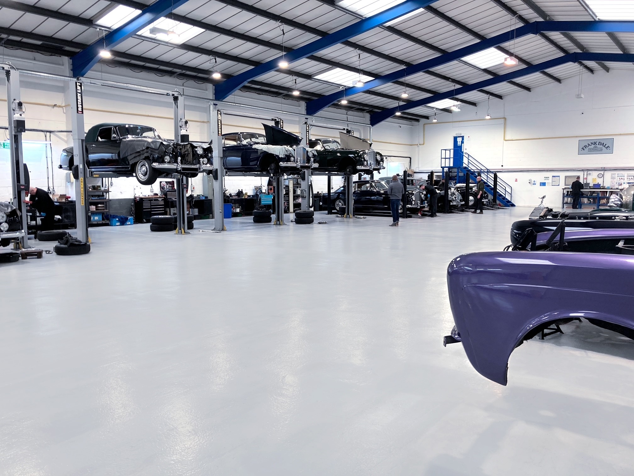 Workshop for modern and classic Bentley and Rolls-Royce cars