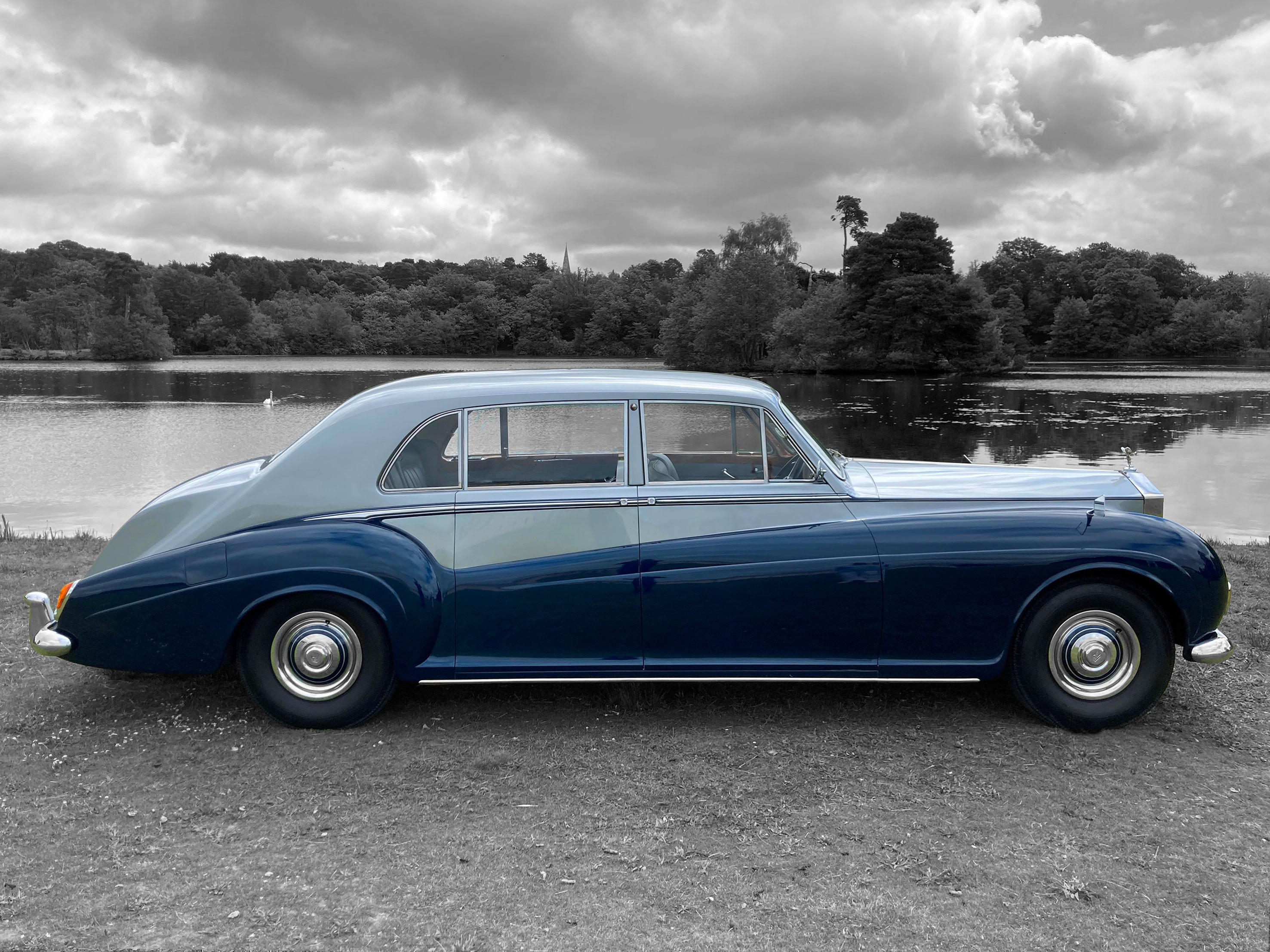 1961 Rolls-Royce Phantom V Limousine (PV22) by James Young