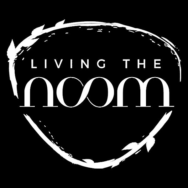 Living The Noom Logo