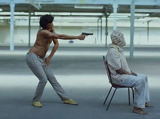 """先是Kanye对话人民,后来Gambino说""""这就是美国"""",那美国到底怎么了?"""