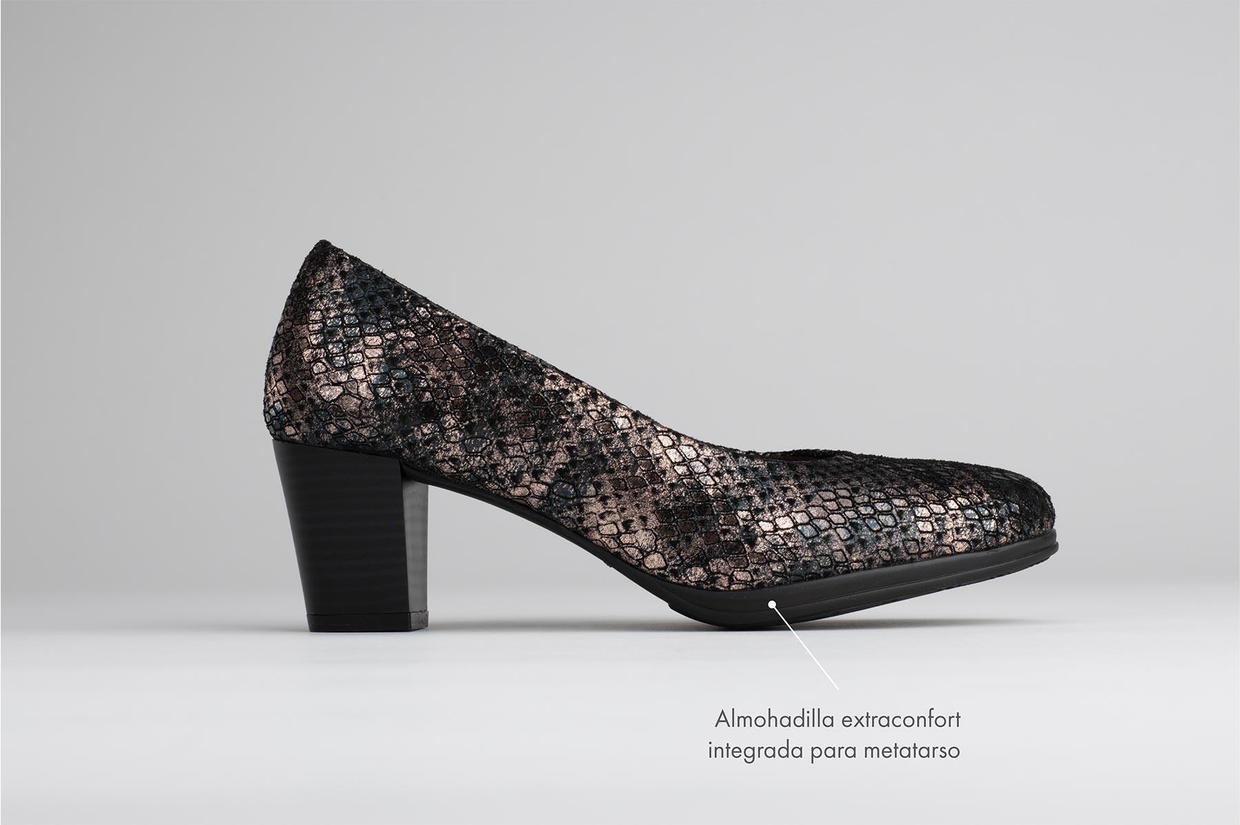 Foto de estudio de zapatos elegante tacones