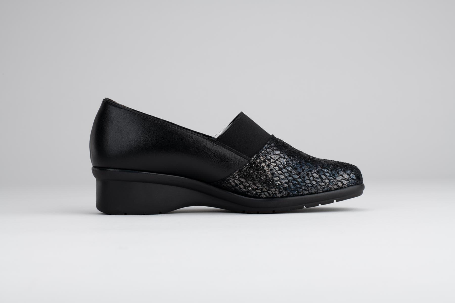 Foto de estudio de zapatos elegante negro