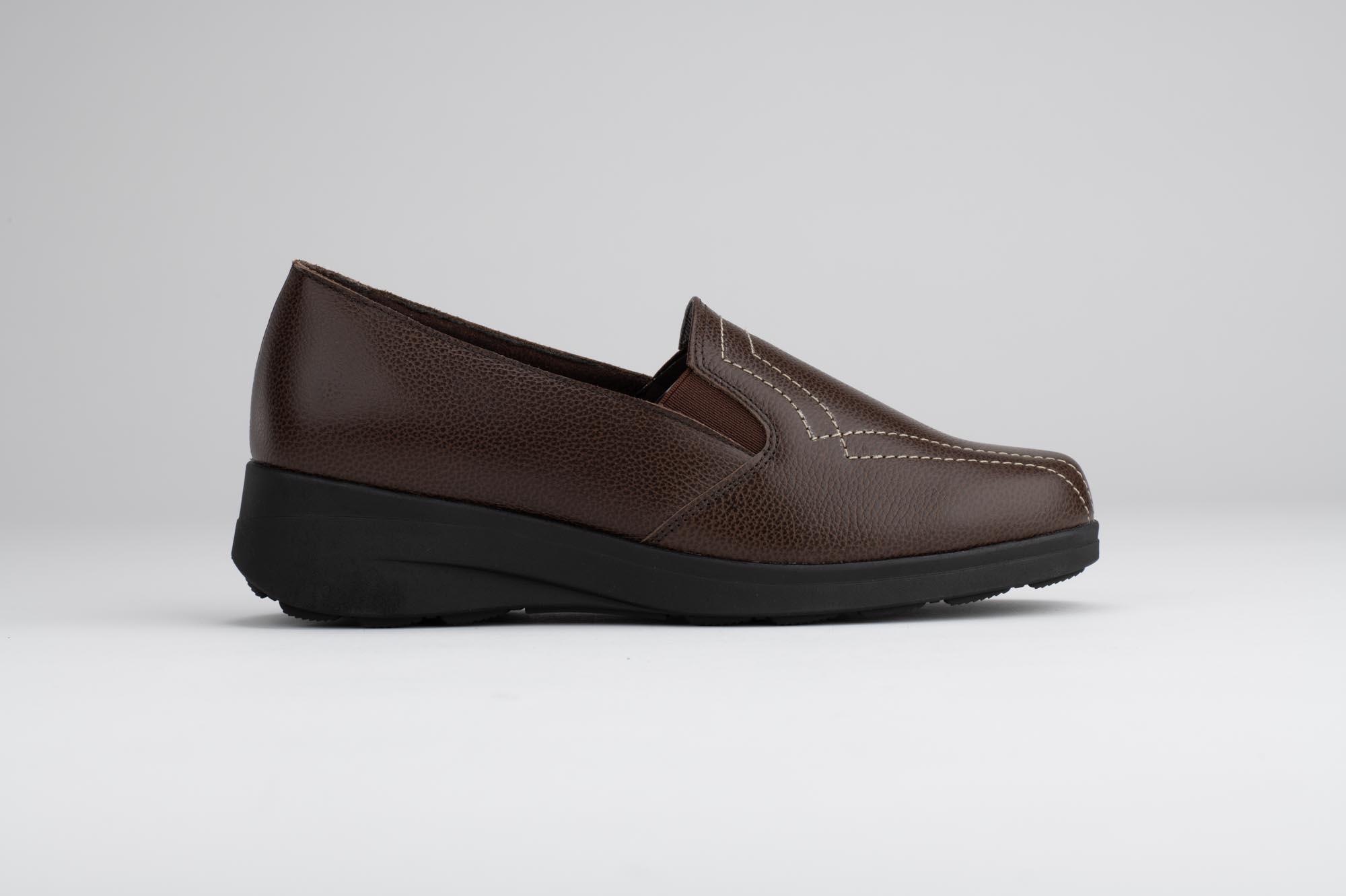Foto de estudio de zapatos marrón