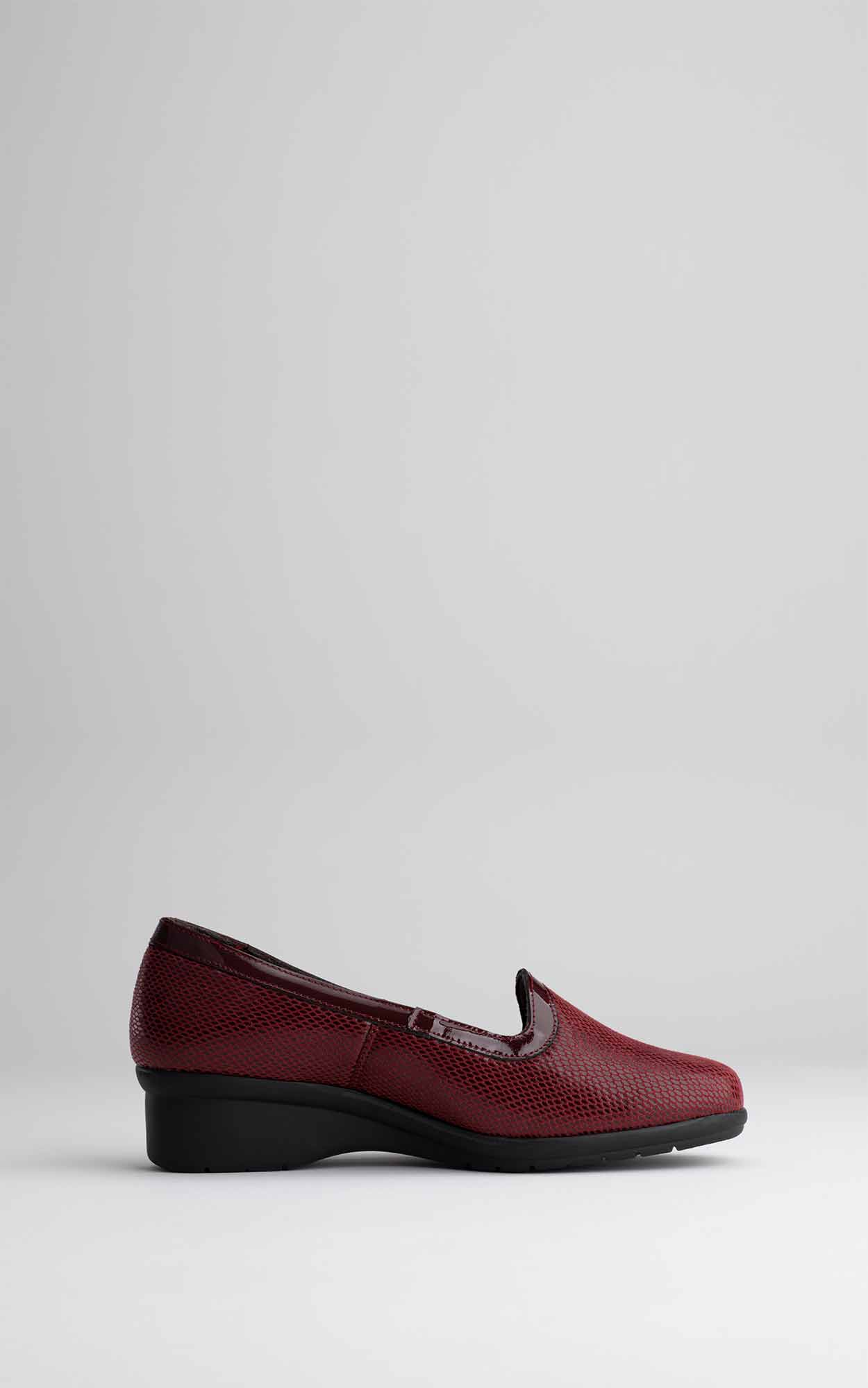 Foto de estudio de zapatos moderno rojo