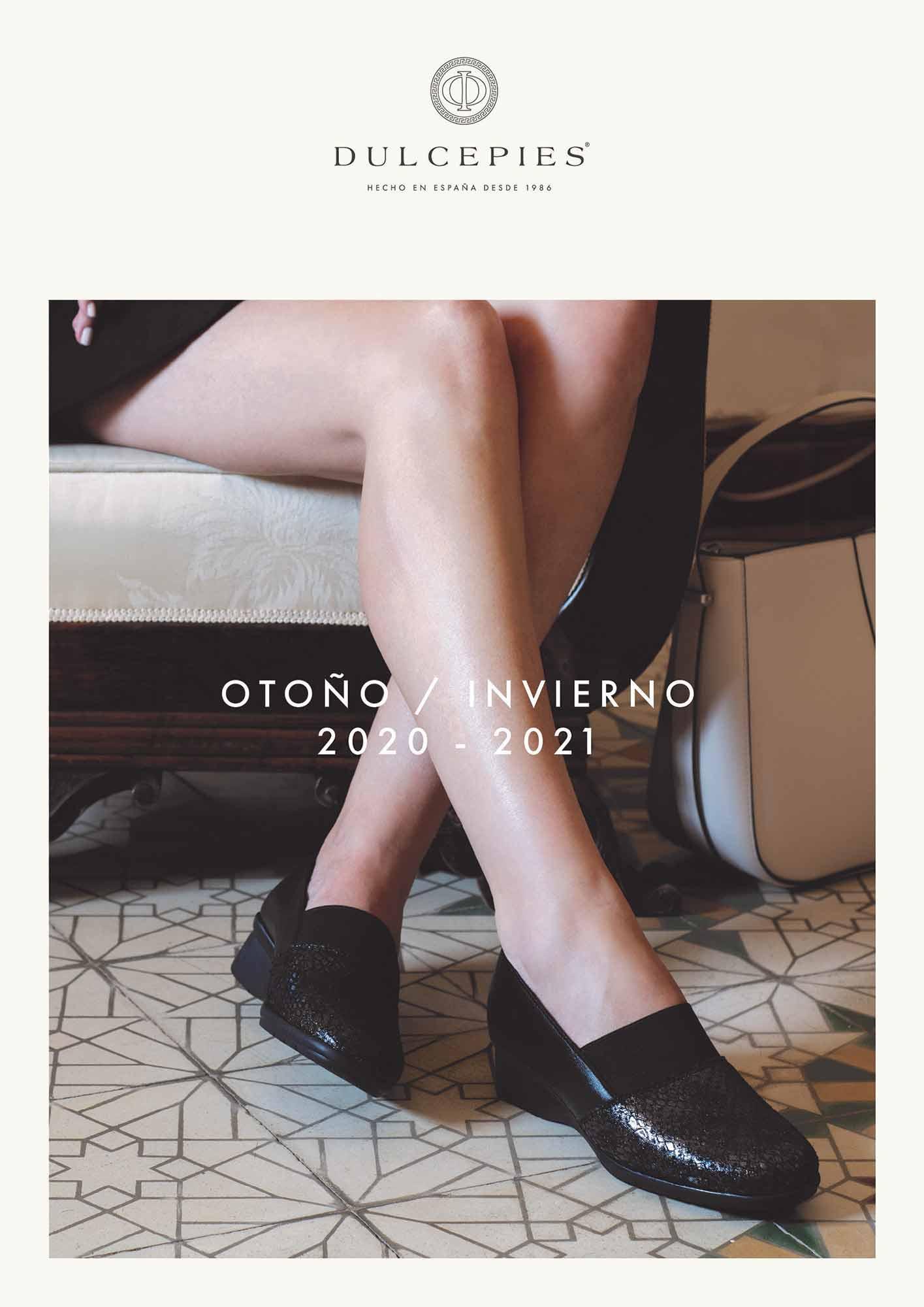 portada del catálogo de zapatos con piernas de mujer