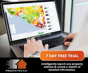 A real estate software free trial promotion.