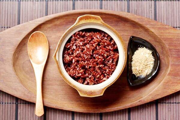giảm cân với gạo lứt muối mè