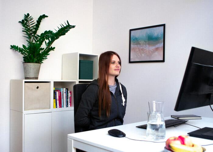 Rückenübungen am Arbeitsplatz - Rückendrücker