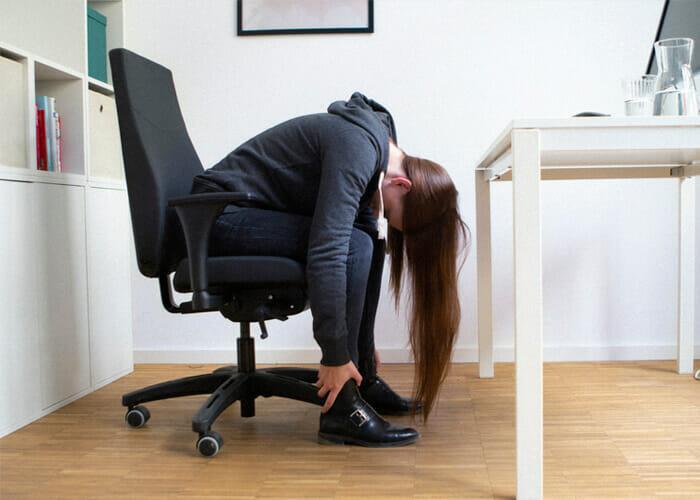 Rückenübungen am Arbeitsplatz - Oberkörperdehner