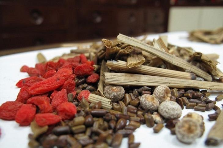 Đông y có nhiều thảo dược trị viêm họng hạt mãn tính hiệu quả