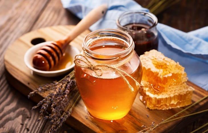 Mật ong chữa viêm họng có đờm