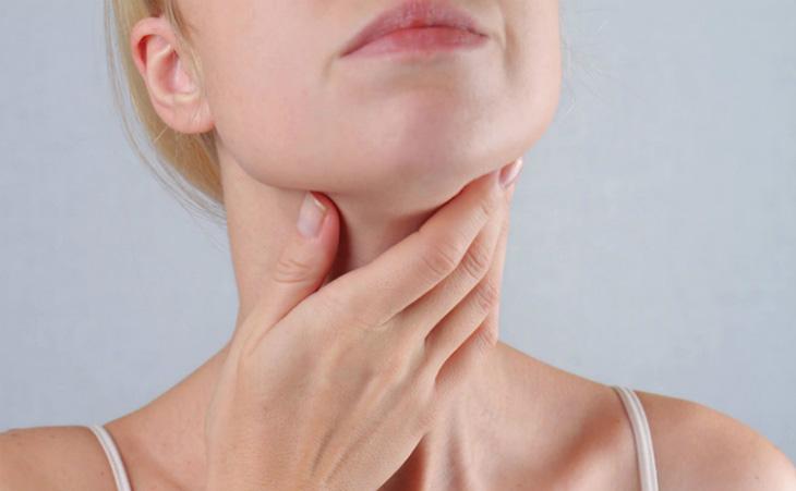 Viêm amidan ở người lớn tiềm ẩn nhiều biến chứng nguy hiểm đối với sức khỏe