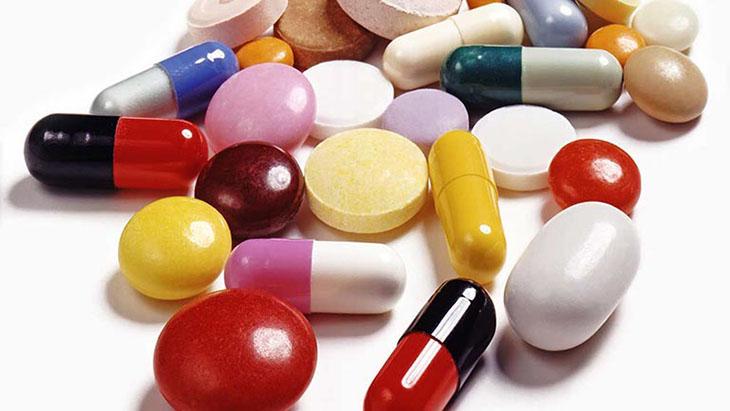 Khi điều trị bằng thuốc tây, người bệnh nên bám sát hướng dẫn của y, bác sĩ
