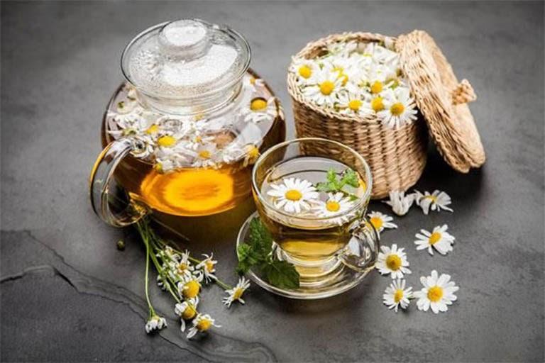 Người bệnh nên uống trà hoa cúc hàng ngày