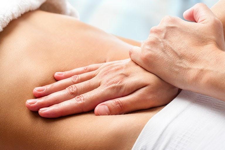 Massage là cách chữa đau dạ dày không dùng thuốc đơn giản, dễ thực hiện