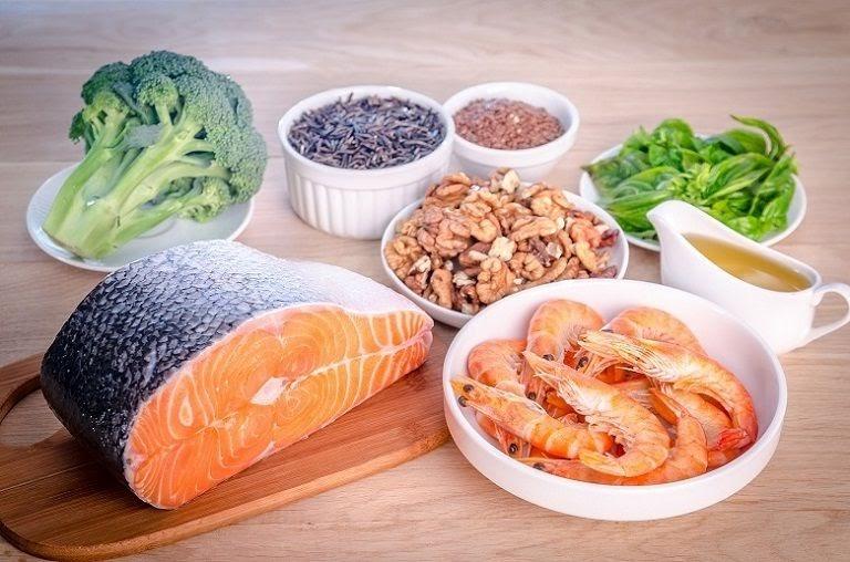 Trào ngược dạ dày thực quản gây ra cảm giác khó chịu có thể dùng thực phẩm giàu omega