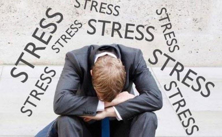 Căng thẳng lo âu kéo dài cũng là một trong những nguyên nhân dẫn đến tình trạng này