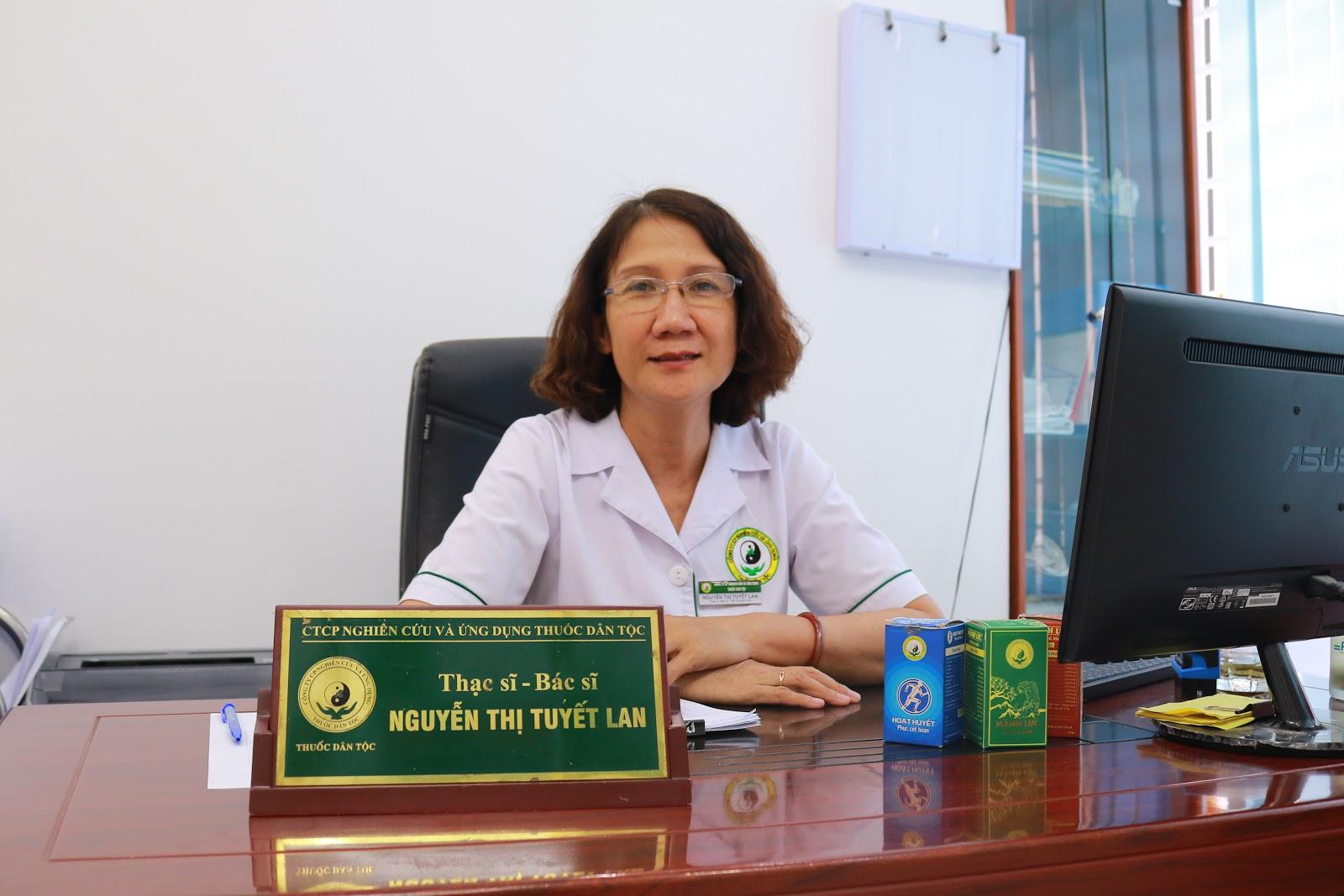 Hình ảnh bác sĩ Tuyết Lan