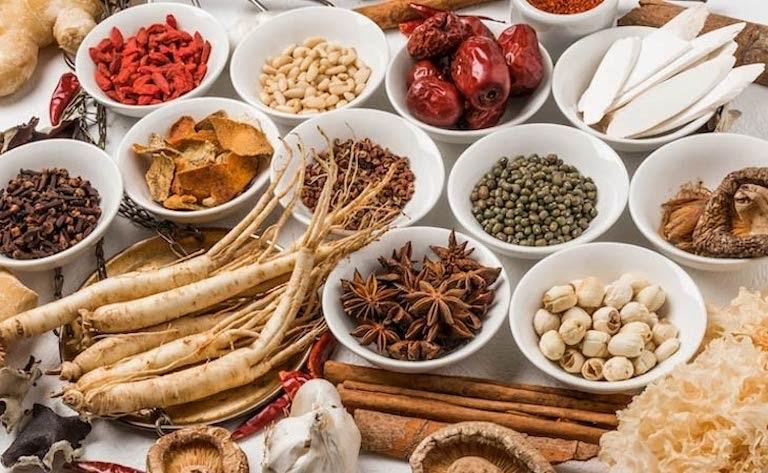 Các vị thuốc Đông y được kết hợp, gia giảm khéo léo tạo thành bài thuốc điều trị