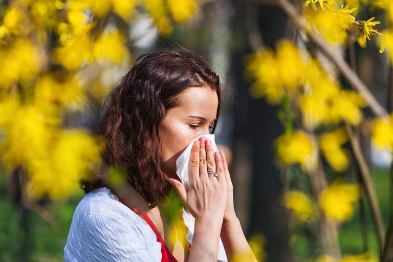 Viêm mũi dị ứng thời tiết ảnh hưởng tới bất kỳ ai