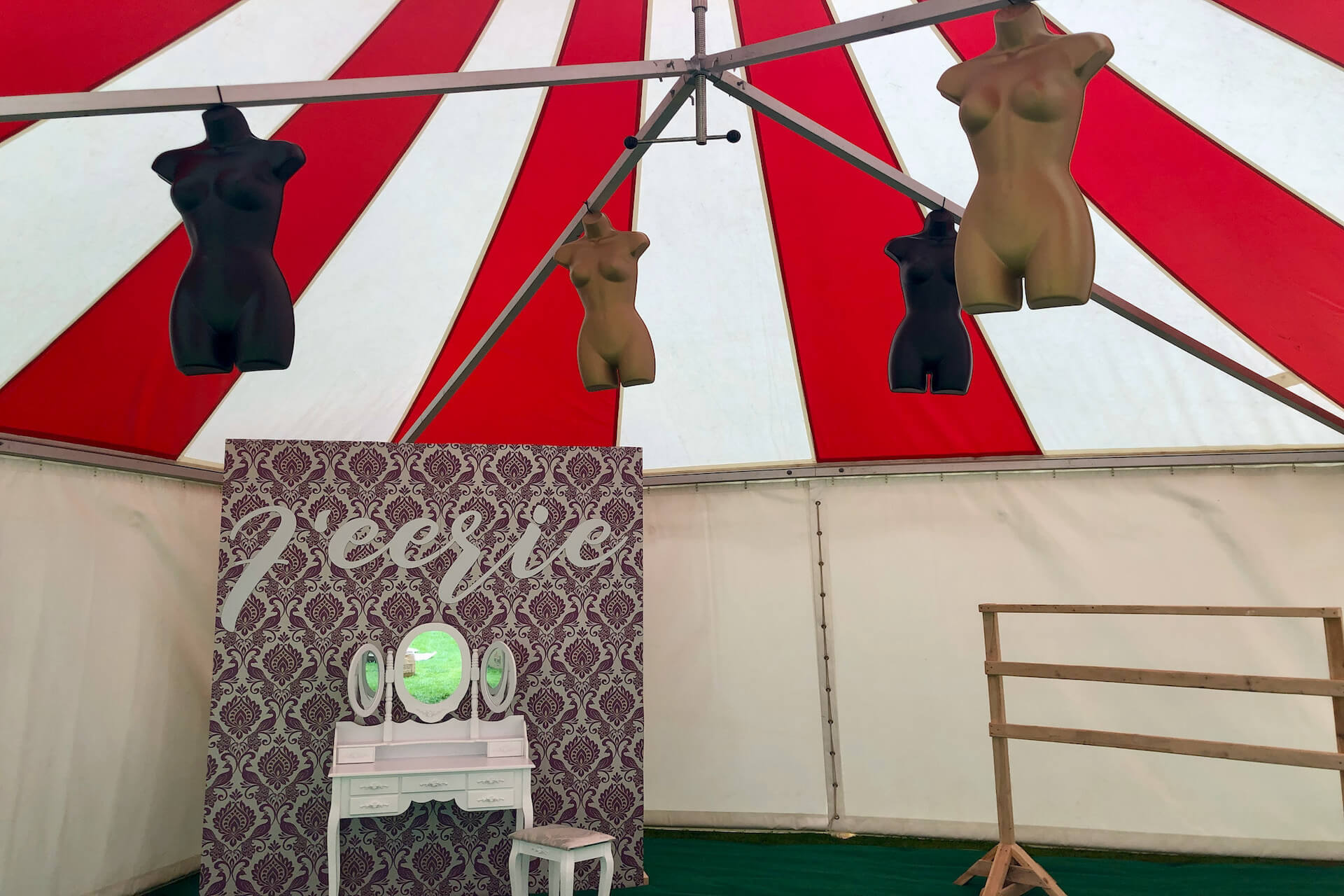 Pamper lounge tent