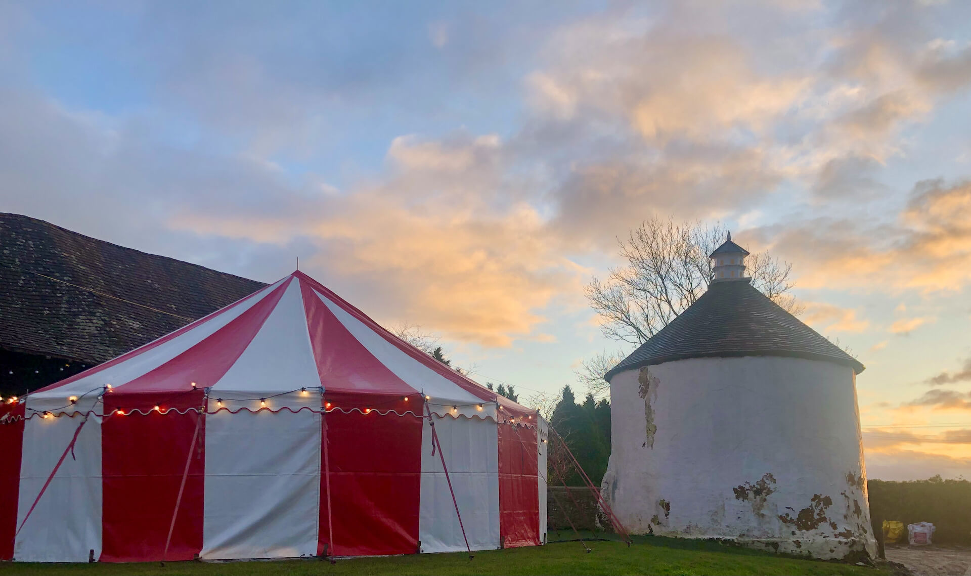 Beautiful circus tent, 9m diameter