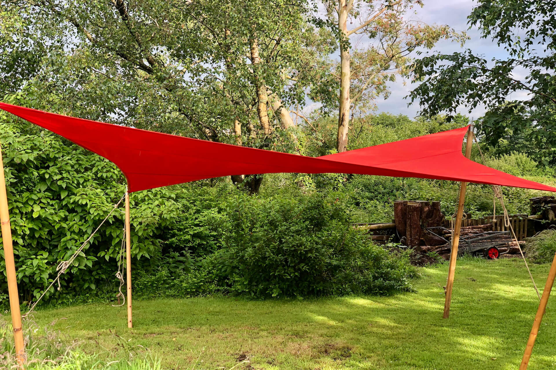 Square red shade sail 4m x 4m