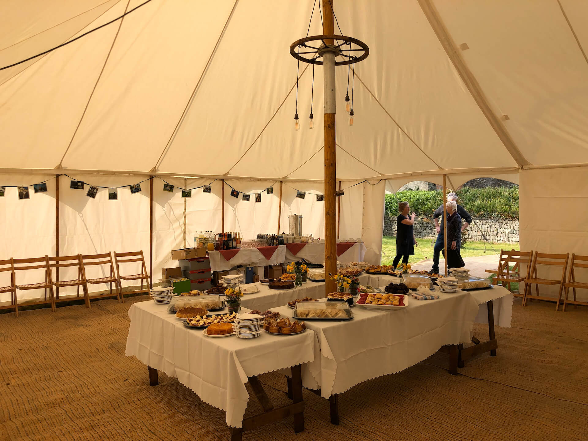 9x9m Traditional marquee interior