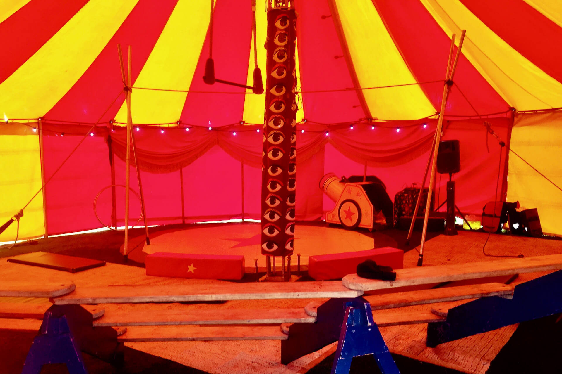 Pop up circus show for hire