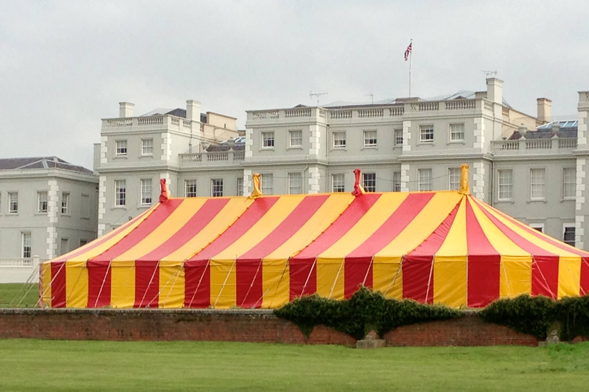 King Size marquee is red and yellow