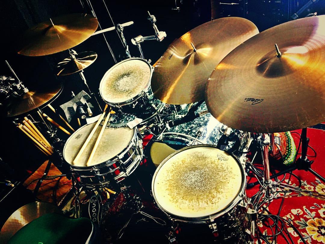 Mike-Dawson-Managing-Editor-for-Modern-Drummer-slingerland-bop-vistalite-slingerlandmcd-single-headed-single-headed-kit-rbh-3-ply-front-mcd-maple-ludwig-gig-kit-hybrid-kit-gaai-hybrid-65-slingerlands-68-ludwig-2