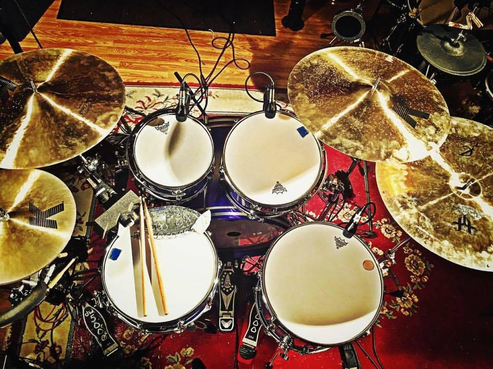 Mike-Dawson-Managing-Editor-for-Modern-Drummer-slingerland-bop-vistalite-slingerlandmcd-single-headed-single-headed-kit-rbh-3-ply-front-mcd-maple