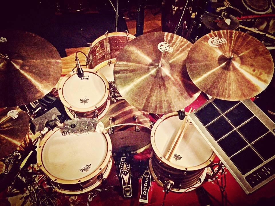 Mike-Dawson-Managing-Editor-for-Modern-Drummer-slingerland-bop-vistalite-slingerlandmcd-single-headed-single-headed-kit-rbh-3-ply-front-mcd-maple-ludwig-gig-kit-hybrid-kit-gaai-hybrid