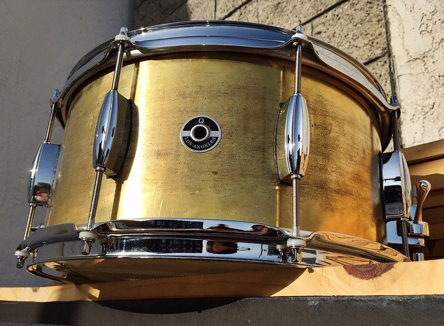 brass-Snare-Drum-shell-How-To-Tune-Your-Drums-Drum-Q-Company-Custom-ilan-Rubin-Nine-inch-nails-Jeremy-berman-Muse-Paris-Qdrum-Recording-Tuning