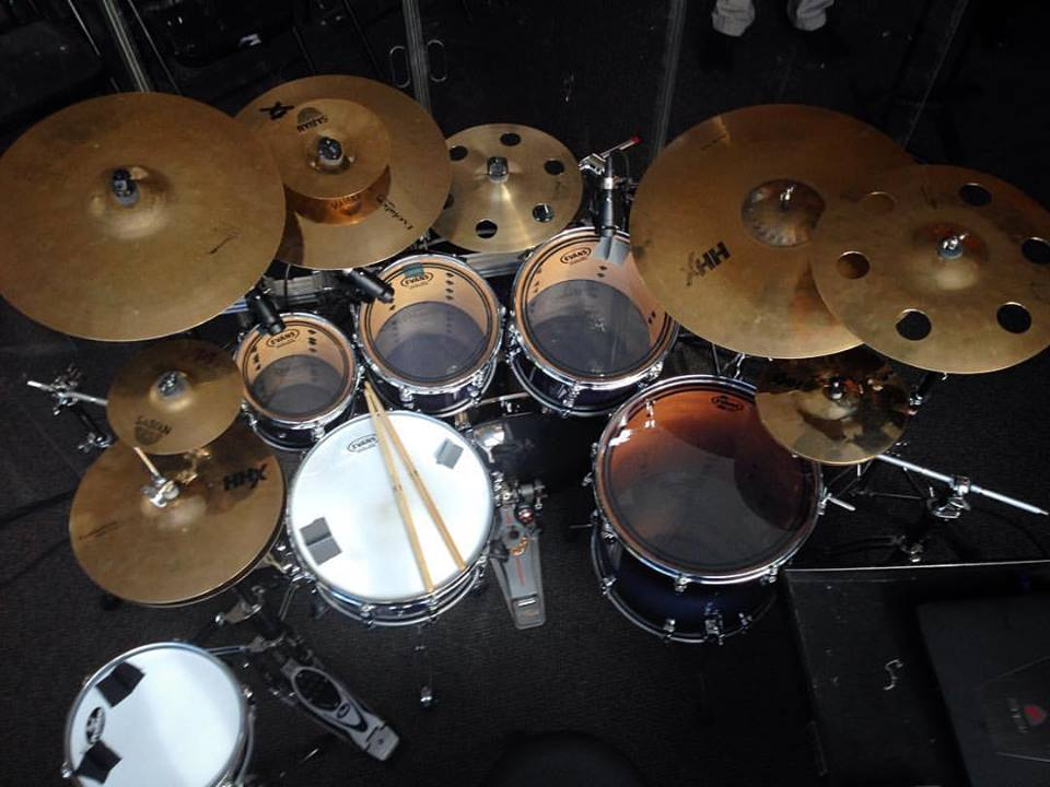 adrian-bent-clinic-pearl-drums-sabian-cymbals-evans-overhead