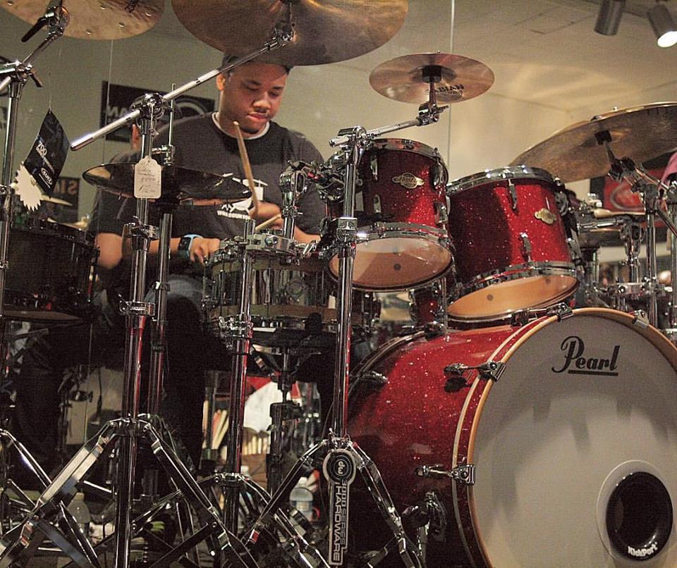 greg-clark-jr-snarky-puppy-washington-dc-drummer-drumming-pearl-clinic