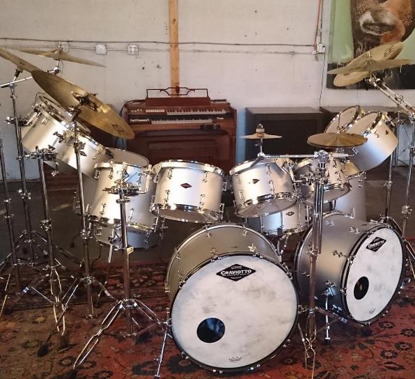 craviotto-nathaniel-mela-maple-shells-solid-shell-snare-drum-stave-maple-walnut-poplar-birch-mahogany-santa-cruz-california-drums-drummers-johnny-steam-bend-jerry-roe-nashville-huge-drumkit-drumset