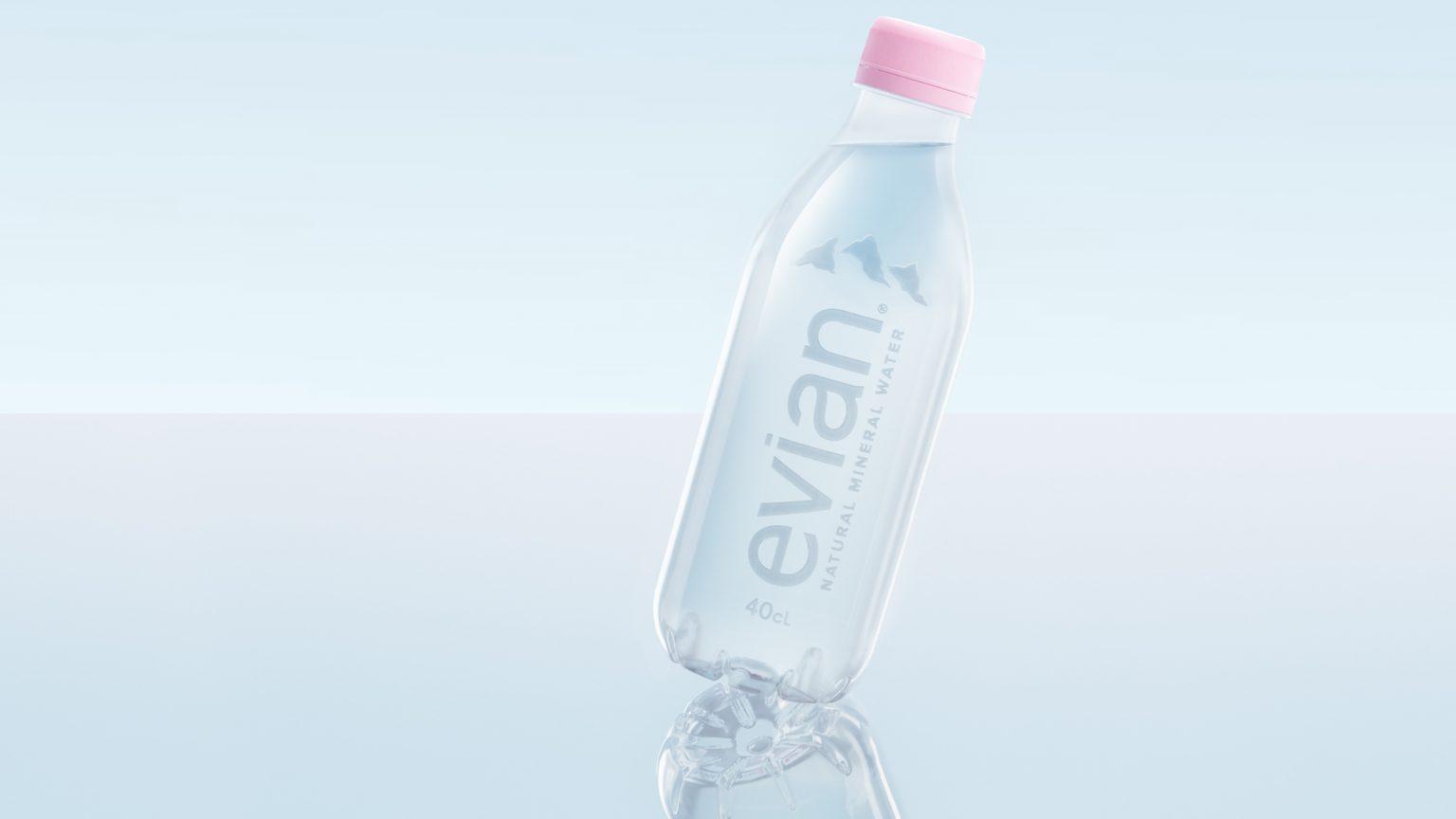 Evian lança garrafa de água feita com plástico reciclado
