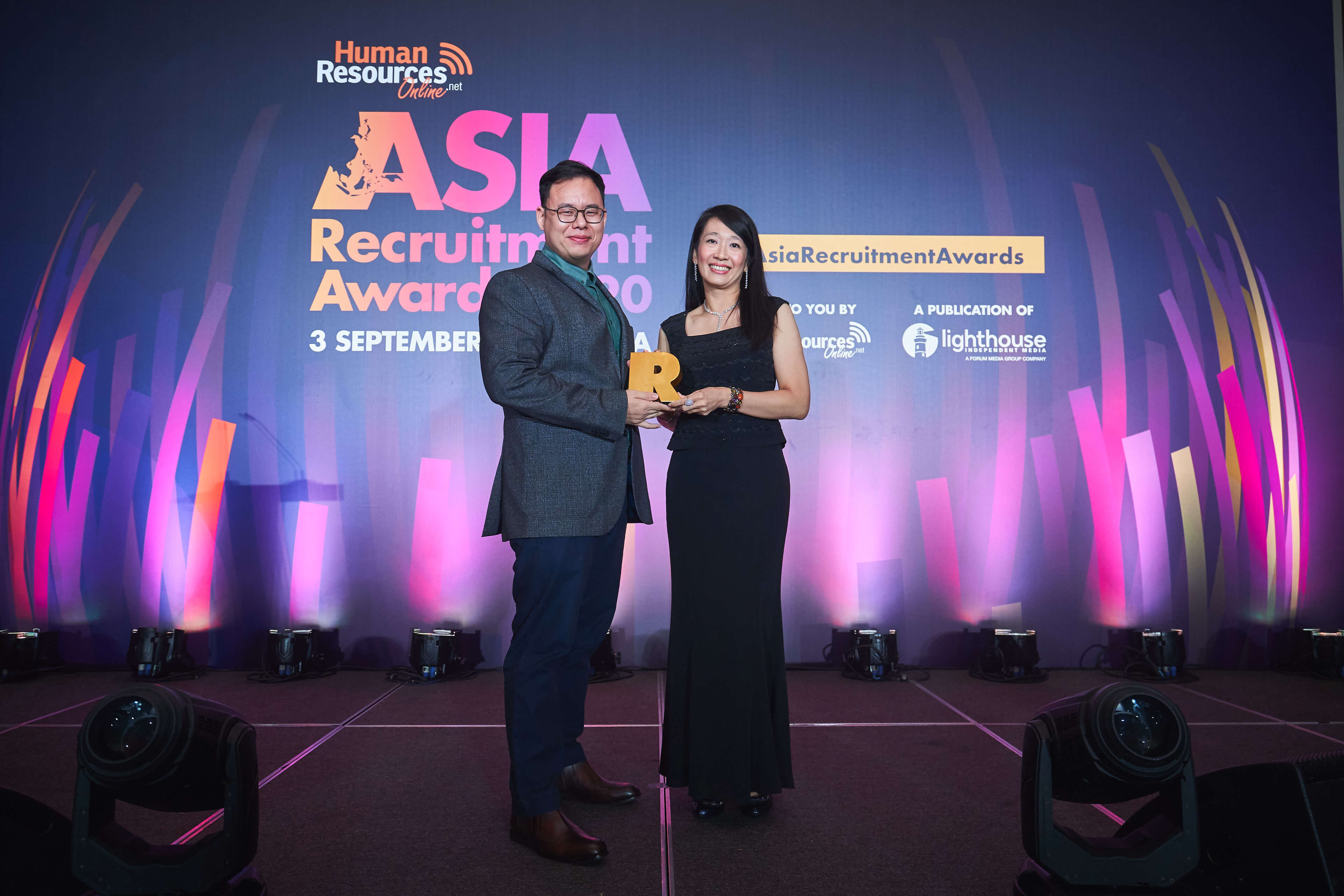 JP Associates IT Recruitment Firm Malaysia - Jeff getting recruiter of the year award in asia recruitment awards 2020