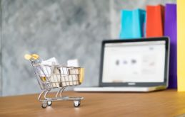 Last-mile Delivery For Ecommerce in 2021: Importance, Trends, and Challenges