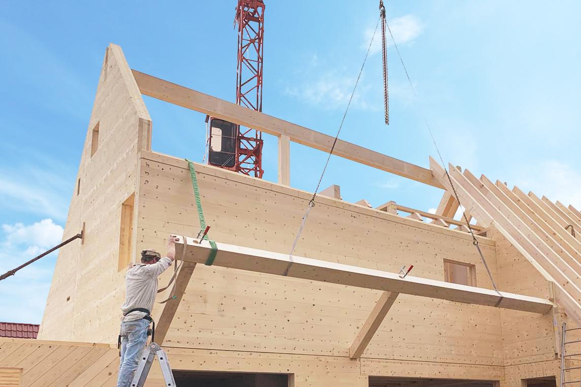 Montage vrijstaande woning DLT CLT massief hout bouw